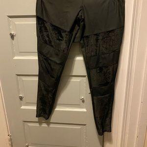 Yummie velvet leggings